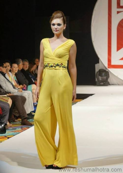 An Ace designer Archana Kochhar Fashion show'13, Lable24, Dubai/ Reshu Malhotra