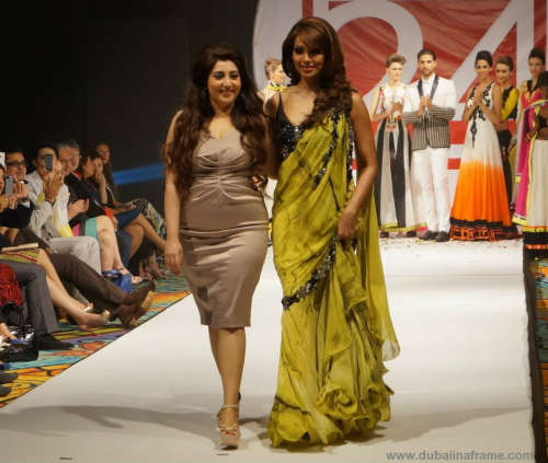 Archana Kochhar 2013-Label 24 Fashion Show/Show stopper Bipasha Basu/Archana Kochhar Makeup by Reshu Malhotra