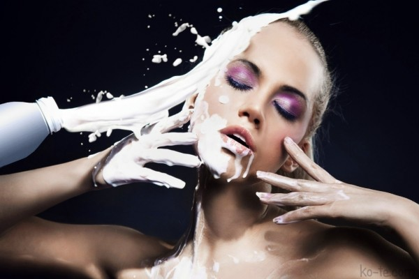 Milk cleanser/Dubai Makeup Artist Reshu Malhotra