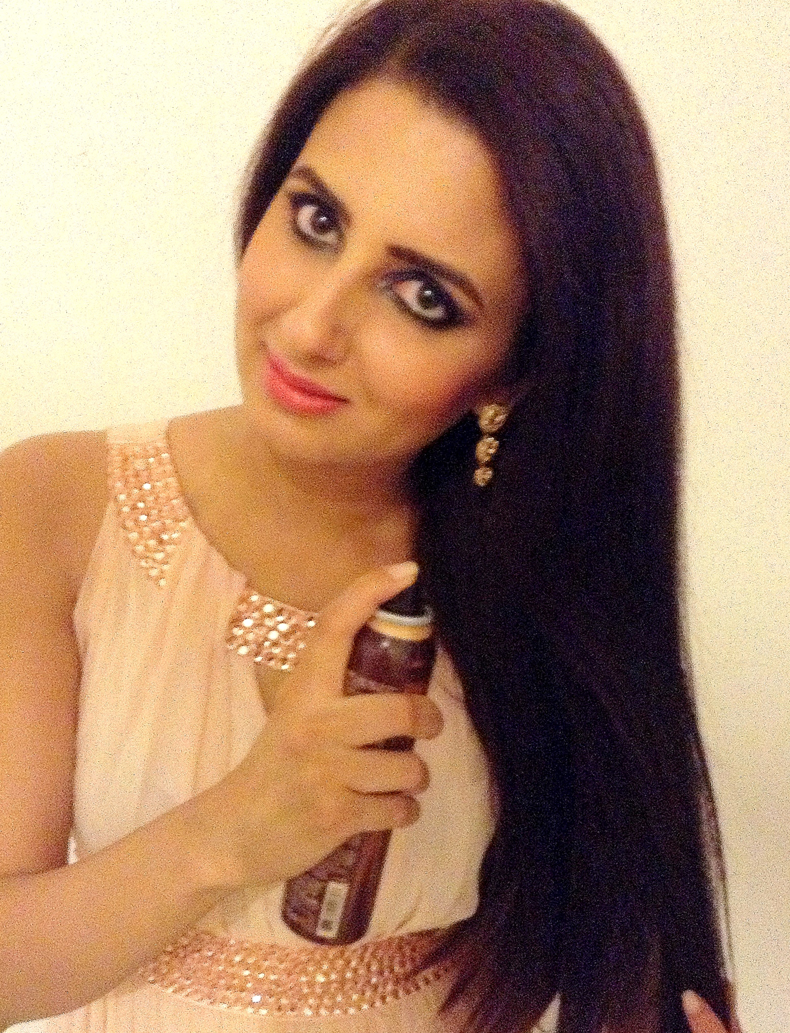 Alterna kendi dry oil micromist/Dubai beauty blogger Reshu Malhtra